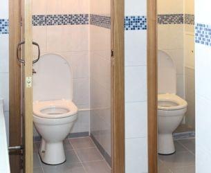 Туалет в детском лагере